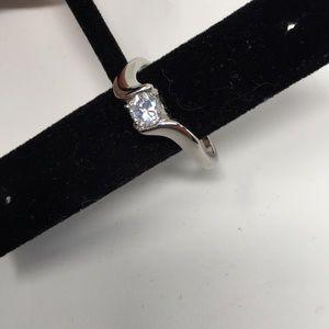 Jewelry - NWOT COSTUME JEWELRY DIAMOND RING CURVE